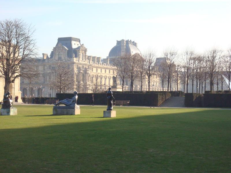 Pelouse du Louvre